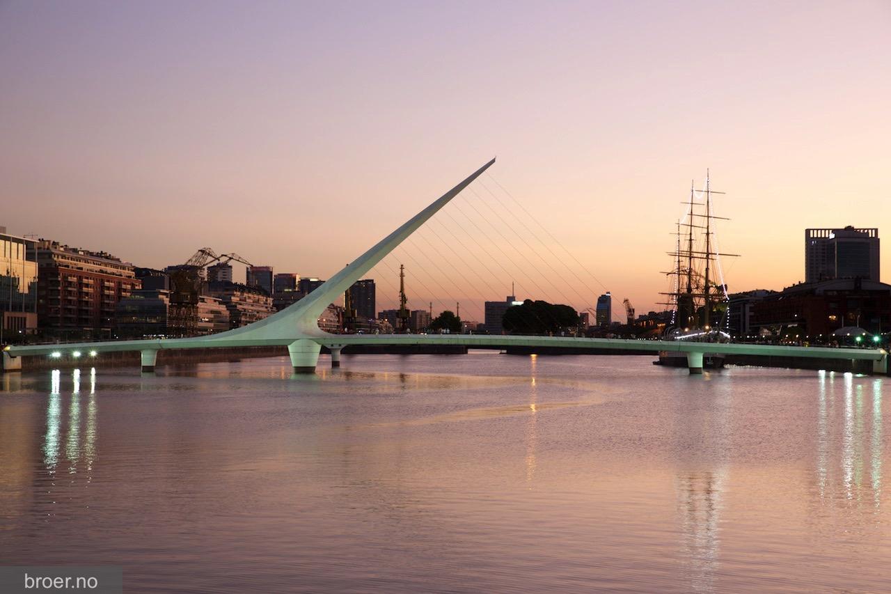 photo of Puente de la Mujer