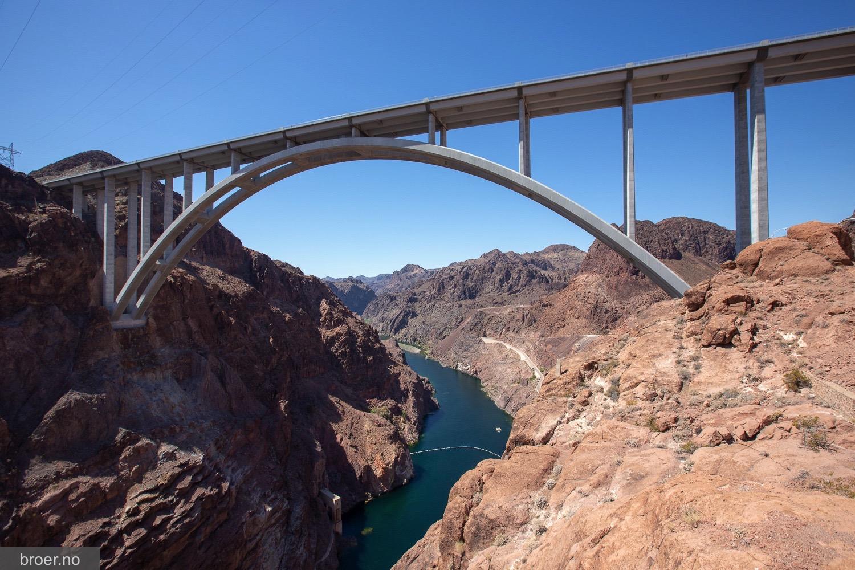 photo of Mike O Callaghan–Pat Tillman Memorial Bridge