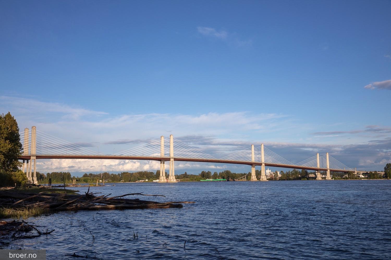 photo of Golden Ears Bridge