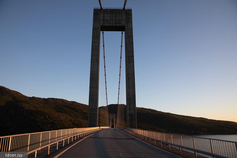 photo of Skjomen Bridge