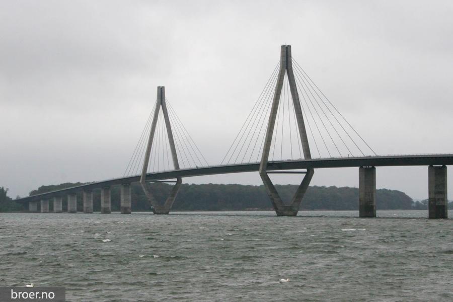 photo of The Faroe Bridge